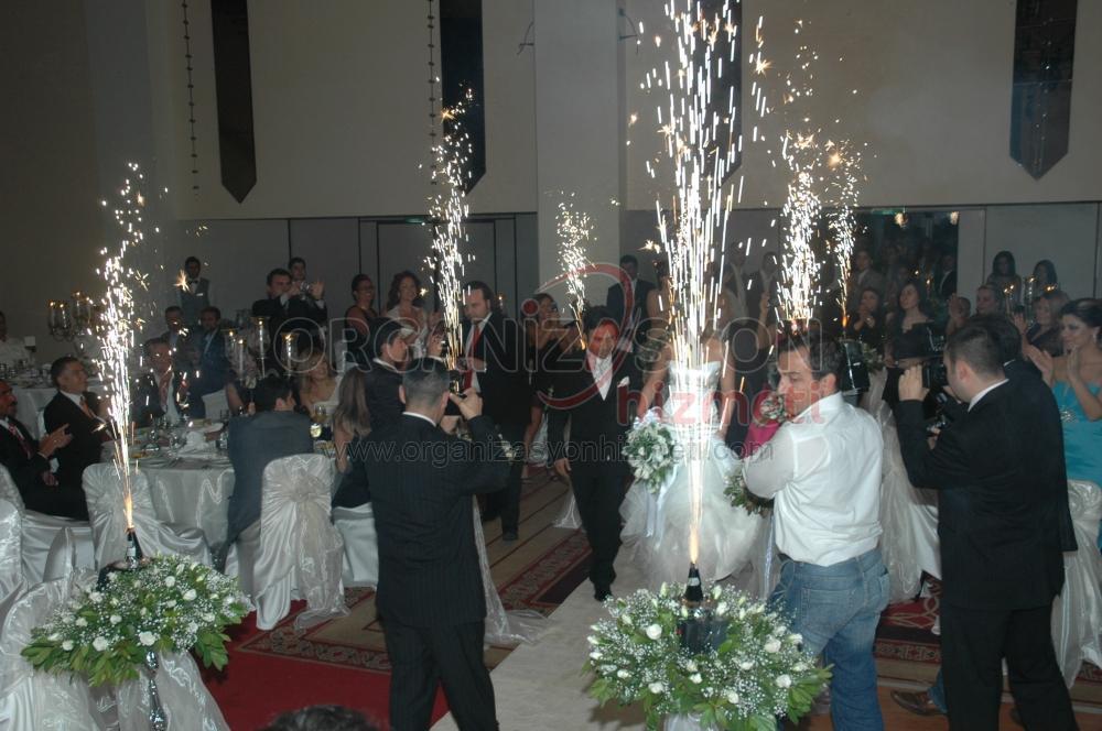 Düğün Organizasyonu Gelin ve Damat Alana Giriyor