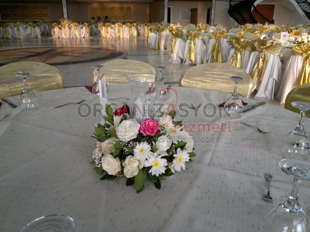 Çiçek Fanus ve Mumlu Masa Süsleme