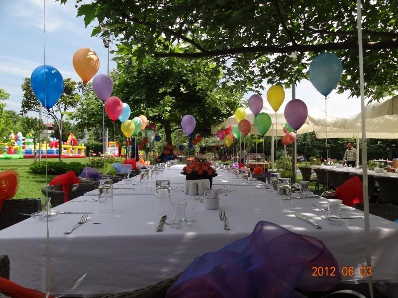 sünnet düğünü uçan balon süsleme