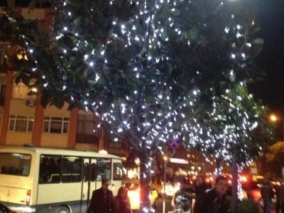 Işıklı ağaç süsleme