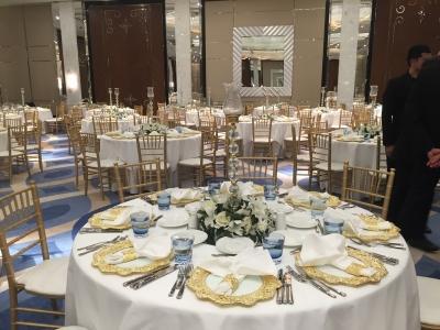 gold tiffany sandalye düğün masa süsleme