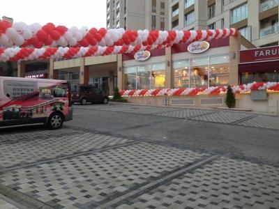 Faruk Güllüoğlu balon süsleme