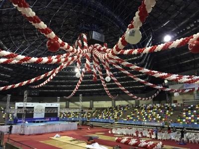spor salonu balon süsleme
